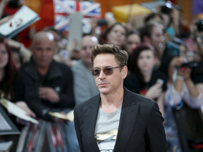 <p>TJENER GODT: Robert Downey Jr. beholder førsteplassen på listen over Hollywoods best betalte skuespillere for tredje året på rad.<br/></p>