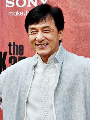 <p>ANDREPLASS: 61 år gamle Jackie Chan tjente litt over 400 millioner kroner i fjor.<br/></p>