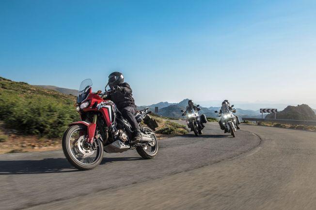 <p>SKREDDERSYDD: Honda har innlemmet nye Africa Twin blant CRF-modellene, de er skreddersydd for terrengkjøring, men fungerer nok godt på landeveien også.</p>