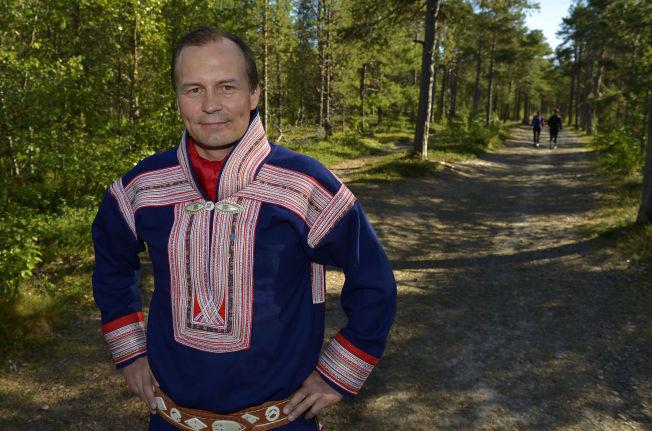 <p>KNYTTET TIL NATUREN: Kautokeino-ordfører Klemet Erland Hætta mener samenes forhold til å bruke naturen er ett av aspektene som vil lide hvis kommunen slås sammen med Alta.</p>