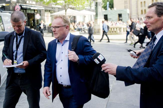 <p>TRAKK SEG: Per Sandberg trakk seg fra en planlagt debatt med SVs Audun Lysbakken på Dagbladets direktesending mandag formiddag. Her ved en anledning tidligere i sommer.</p>