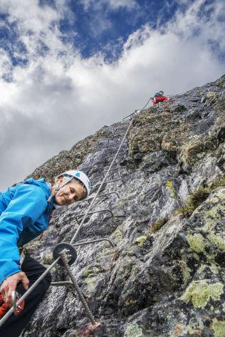 <p>MOR-OG-DATTER-TUR: Camilla (54) og Cathrine (16) Becker fra Oslo er glade i naturen, og liker utfordringer som dette.<br/></p>