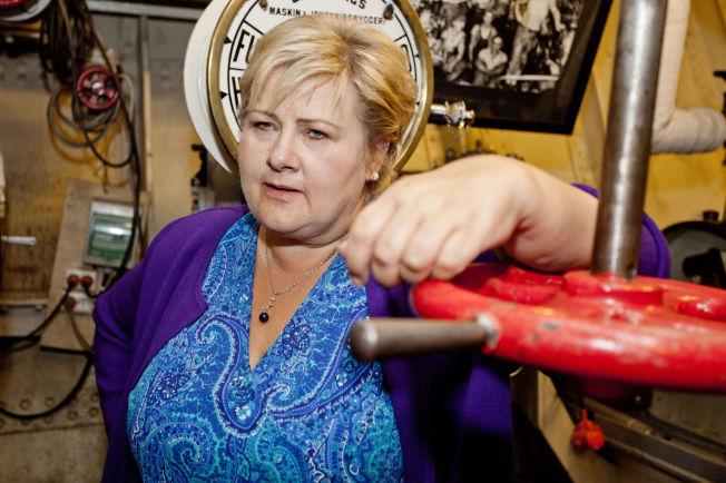 <p>NY SKATTEJAKT: Statsminister Erna Solberg var i går om bord i museumsskipet «Hestmanden», som i dag er et minnesmerke over krigsseilerne etter at det kom uskadet gjennom både første og andre verdenskrig. Skipet ligger til kai i Marvika i Kristiansand.</p>