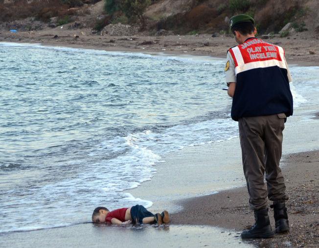 <p>HAR GJORT INNTRYKK: Flere av hjelpeorganisasjonene sier at folkets engasjement virkelig tok av etter at bilde av Alan (3), som druknet på vei fra Tyrkia til Hellas, ble publisert.<br/></p>