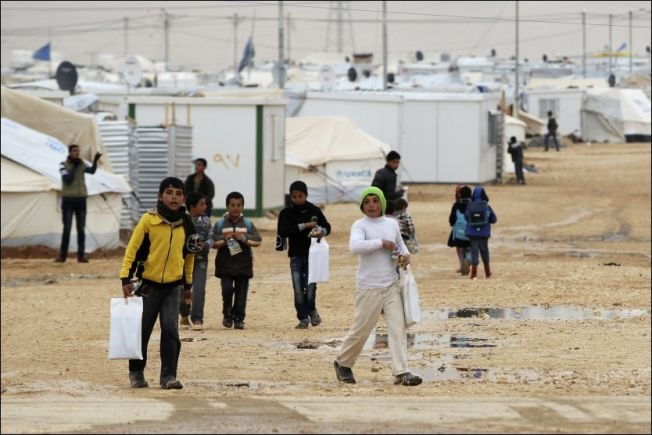 <p>JORDAN: Landet har tatt imot 630 000 syriske flyktninger, mange av dem i Al Zaatari-leiren. Gulfstatene blir kritiesert for ikke å ta imot noen. Men de gir store beløp i humanitær hjelp. . Foto: REUTERS</p>