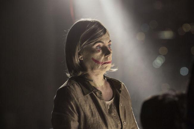 <p/> <p>LIGGER DÅRLIG AN: Offeret i første episode, en dansk feminist. Foto: CAROLINA ROMARE, FILMLANCE INT./NIMBUS FILMS<br/></p>
