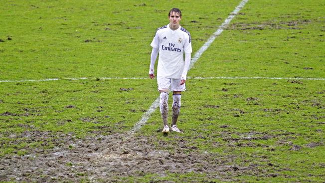 <p>GJØRMEHULL: Ikke alle kampene i Segunda B er av like høy kvalitet. Her er Martin Ødegaard på midtbanen borte mot Amorebieta i februar.<br/></p>
