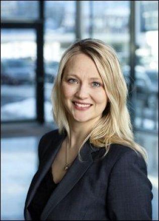 <p>LOVER Å INFORMERE NORSKE KUNDER: Informasjonssjef i Volkswagen, Anita Svanes. Foto: Møller</p>