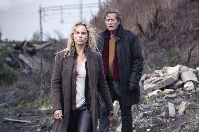 <p>DRAMATIKK: Dag Malmberg som Hans og Sofia Helin som Saga Norén havner i en rekke driamatiske situasjoner i«Broen 3» Foto: Carolina Romare, Filmlance Int. /Nimbus Film</p>