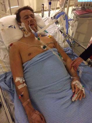 <p>PÅ SYKEHUSET: Dette bildet ble tatt bare noen timer etter at Sebastian Bø var reddet opp fra sjøen. Bø var innlagt på Sørlandet sykehus i fem dager.</p>