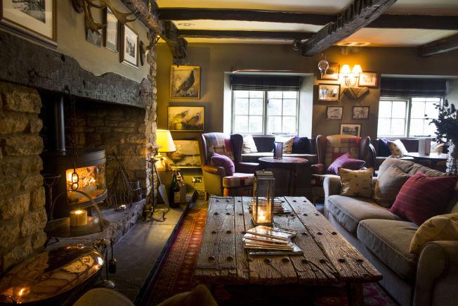 <p>HJEMMEKOSELIG: Hotellet The Pheasant i Harome ligger for seg selv i den lille landsbyen med kun 250 innbyggere.</p>