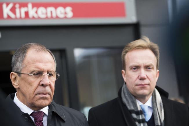 <p>UTENRIKSMINISTRE: Russlands utenriksminister Sergej Lavror og Norges utenriksminister Børge Brende (H), her under 70-årsmarkeringen for frigjøringen av Øst-Finnmark i oktober i fjor.</p>