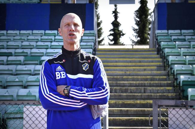 <p>FRANKRIKE-AKTUELL: Bob Bradley, som her poserer for VG på Nadderud, skal være aktuell som trener for den franske Ligue 2-klubben Le Havre.<br/></p>