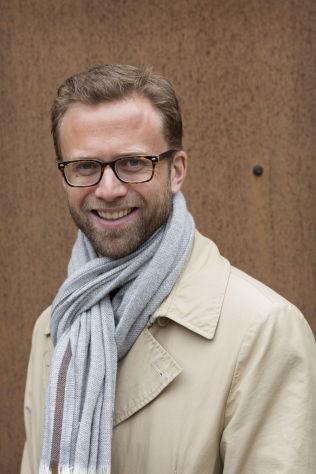 <p>UENIG: Nikolai Astrup (H) i Energi- og miljøkomiteen er skeptisk til å forby avfallseksport til Sverige.<br/></p>