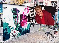 Justin Bieber la ut gatekunst av norsk illustratør