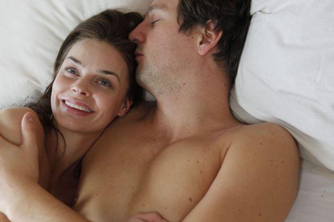 <p>SYKT LYKKELIG: Agnes Kittelsen og Henrik Rafaelsen spiller i «Sykt lykkelig». Filmen fikk god respons internasjonalt, men ble bare sett av 28 000 nordmenn.<br/></p>
