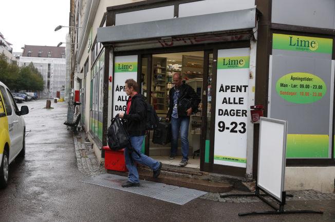 <p>AKSJONERTE: I september 2014 foretok politiet en razzia mot Lime dagligvarekjede i Oslo. Dette bildet er fra Eiriks gate på Tøyen.</p>
