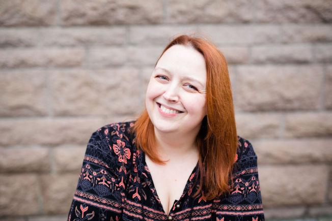 <p>BUDSKAP: Siri Pettersen har suksess med sin fantasytrilogi «Ravneringene» - der mye handler om fremmedfrykt, likeverd, makt og ledelse. Nå vil Maipo film lage en storslagen fantasy-trilogi på de tre bøkene i «Ravneringene»-trilogien, «Odinsbarn», «Råta» og «Evna».<br/></p>