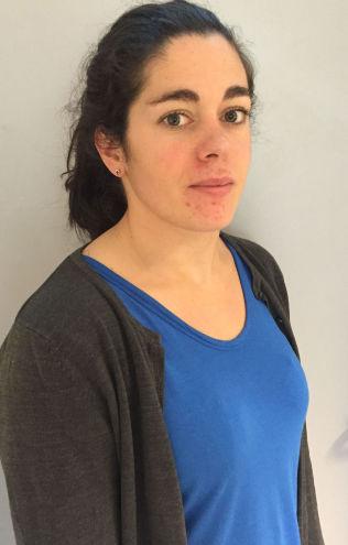 <p>STO FREM: Rebecca Tiffin, tidligere Oslo-lærer, etterlyser større tillit til at lærerne kan kartlegge og følge opp elevene som trenger det.</p>