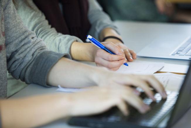 <p>FORHÅNDSPRØVER: Lærere i Osloskolen rapporterer at forhånds- eller øveprøver er vanlig før kartleggingsprøver. ILLUSTRASJONSFOTO</p>