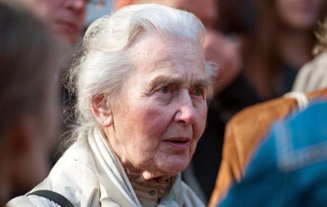<p>BA OM DØDSLEIR-BEVIS: Haverbeck, her avbildet på vei inn i retten i april, ba dommeren om bevis for at konsentrasjonsleiren Auschwitz var en dødsleir. <i><br/></i><br/></p>