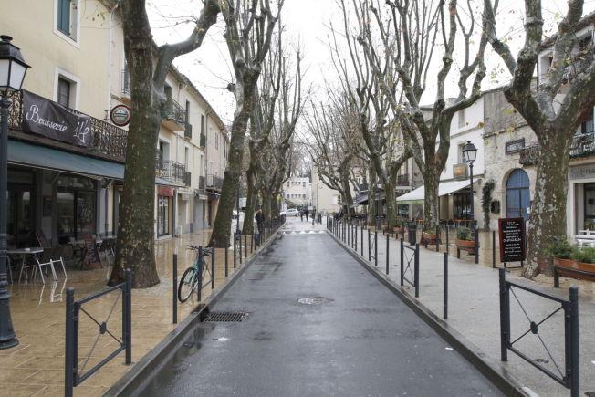 <p><b>STRATEGISK KAMP:</b> – Vi må forstå appellen som islamistideologien genererer: myndiggjøring, religiøsitet, eventyr, gruppetilhørighet, isolasjon og skuffelse – vi må gi dem som er utsatte for radikalisering, et alternativ, skriver Maajid Nawaz, selv tidligere jihadist. Bildet er fra den lille byen Lunel i Frankrike der et tjuetalls ungdommer har dratt til Syria for å kjempe for IS.<br/></p>