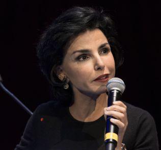 <p>EKS-JUSTISMINISTER : Medlem av Eruopaparlamentet, medlem av det franske høyrepartiet og tidligere justisminister i Frankrike, Rachida Dati, mener internettselskaper som promoterer IS må straffes.<br/></p>