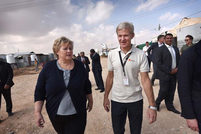 <p>SER LYSET: Jan Egeland besøkte syriske flyktninger i Zaatari-leiren utenfor Amman i Jordan sammen med Erna Solberg 7.november.<br/></p>