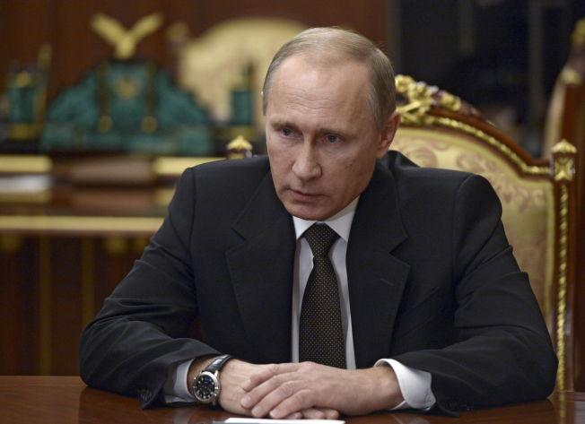 <p>JOKER? Russlands president hev seg med i krigen i Syria i høst. Dette bildet er fra et møte i Kremlin 17. november.<br/></p>