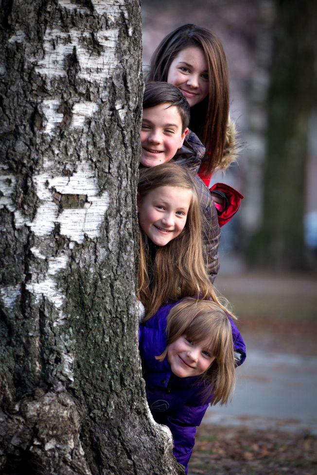 <p>«JULEKONGEN»: Denne julen får vi et gjensyn med Emma Rebacca Storvik, Vetle Qvenild Verring, Vilja Qvenild Werring og Tiril Qvenild Werring i NRKs desemberkalender.</p>