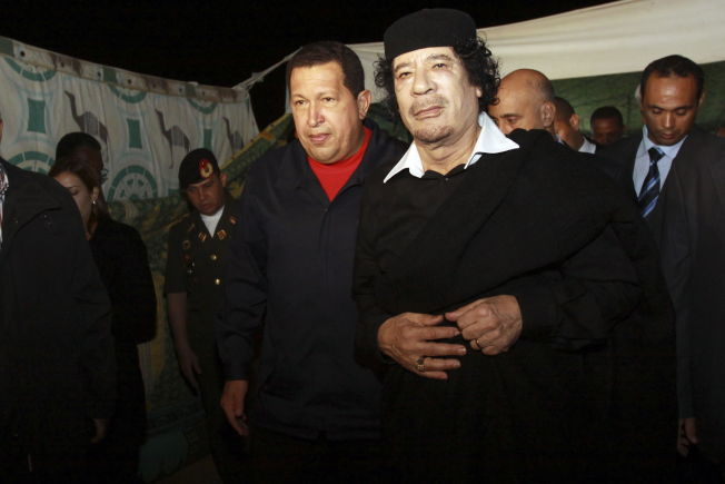 <p>KAOS:– Det er en direkte årsakssammenheng mellom arven etter diktaturet i Libya og dagens kaotiske situasjon, uansett hvor mye en hevder at den internasjonale intervensjonen som veltet ham kunne - eller burde - vært unngått, skriver libyske Ghazi Gheblawi. Bildet er fra høsten 2010, ett år før diktatoren ble styrtet.<br/></p>