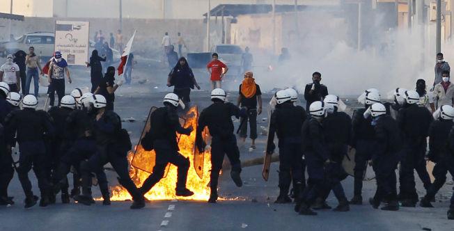 VOLDELIG: Sammenstøt mellom politi og demonstranter som krever regimets avgang i Bahrain i 2012.