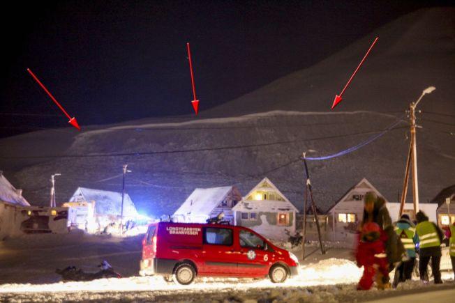 <p>MASSIVT: Denne bruddveggen viser hvor snøskredet har gått, og tyder ifølge seniorgeolog Frode Sandersen, på et ekstremt voldsomt snøskred med en høyde på opptil fire meter og en bredde med kompakt snø på mellom 100 og 200 meter. Foto: Linda Bakken / NTB scanpix</p>