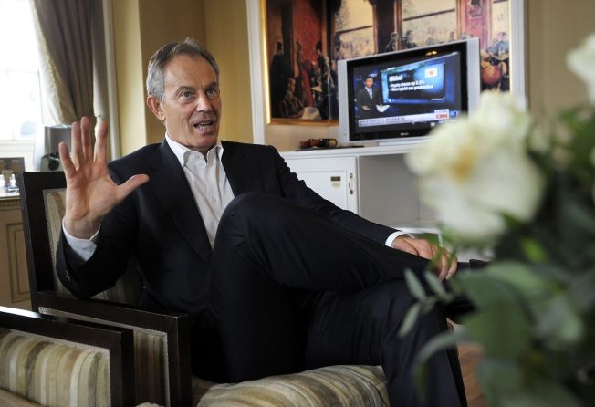 <p>Tony Blair på Grand Hotel i Oslo. Den tidligere britiske statsministeren må belage seg på å bo slik på utenlandsreiser i fremtiden etter at han nå blir nektet å bo på britiske ambassader. Foto: HELGE MIKALSEN/VG</p>
