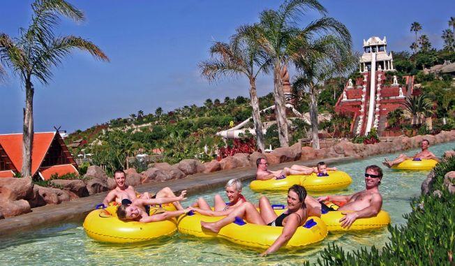 <p>VANNPARK: Siam Park på Tenerife er en av kanariøyenes mest populære vannparker. Glenn Olsen, Sebastian Asheim, Charlotte Eriksen, Grethe Aasheim og Øyvind Gjerløv fra Fredrikstad synes den er fantastisk.</p>