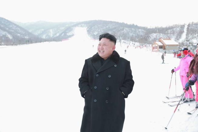 <p>KIMS PARADIS: Nord-Koreas leder Kim Jong-un har brukte flere hundre millioner kroner på skianlegget i Masikdalen.</p>
