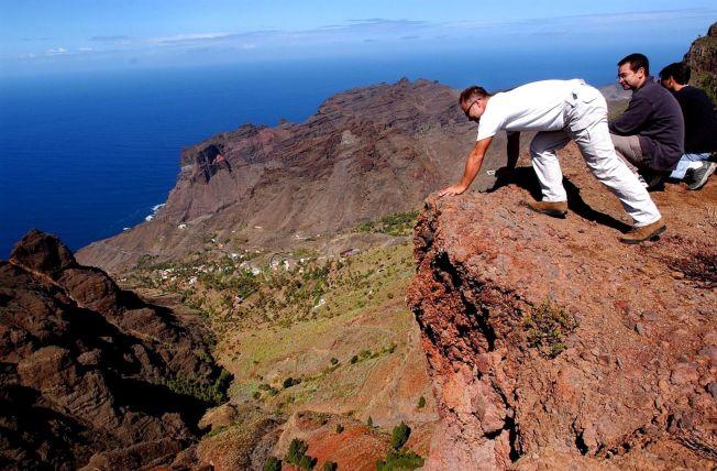 <p>LA GOMERA: Løvland-ekteparets siste bok hanlder om fotturer på La Gomera.<br/></p>