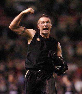 <p>OMKAMP: Så glad ble tidligere Exeter-kaptein Sean Devine etter å ha sikret omkamp mot Manchester United i FA-cupen.<br/></p>