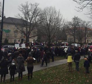 <p>I USA: Demonstranter trosset kulda i Washington for å protestere fredag.</p>