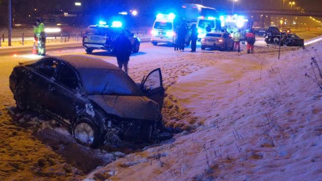 <p>DRAMATISK: 16-åringen og vennene kom til stedet etter at en bil hadde kjørt av veien.</p>