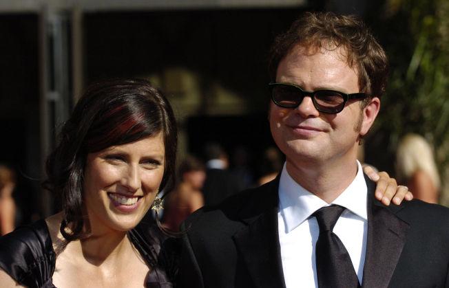 <p>KONA: Rainn Wilson og kona Holiday Reinhorn på Emmy-utdelingen i Los Angeles for noen år tilbake.</p>
