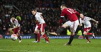 Carragher mener Rooney (30) minner om en 35-åring