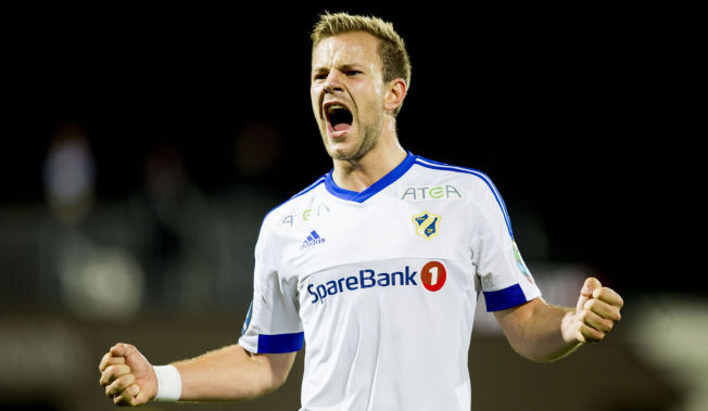 NØKKELMANN: Nicolai Næss var meget sentral i Stabæk-laget som endte på en overraskende tredjeplass sist sesong. Her jubler han etter en seier mot Mjøndalen i oktober.