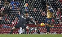Cech reddet Arsenal: – Fornøyd med alle mine bidrag