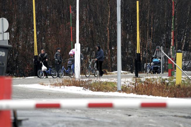 <p>PÅ SYKKEL: I høst kom 5500 flyktninger til grenseovergangen ved Storskog. Etter 29.november har ingen søkt asyl derfra.</p>