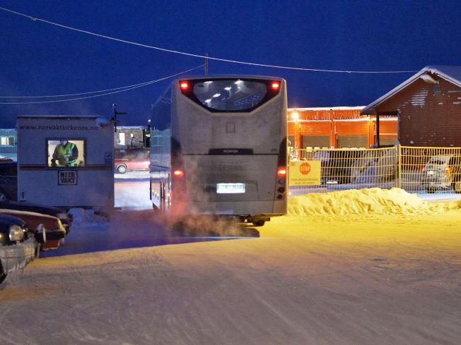 <p>ISKALDT: I 28 minusgrader kjørte denne bussen inn på ankomstsenteret.</p>