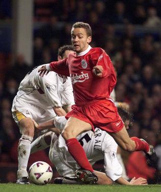 FOTBALLPROFF: Vegard Heggem fra den gang han spilte for Liverpool. Her i en kamp i FA-cupen mot Bradford City, hvor han også scoret.