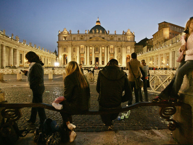 <p>PETERSPLASSEN: plassen foran Peterskirken i Vatikanet.</p>