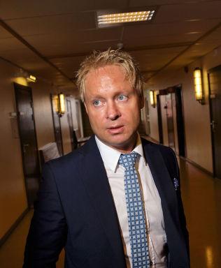 <p>REAGERER: Advokat Olav Sylte mener det er galskap å kastet beviser i en uoppklart sak.</p>