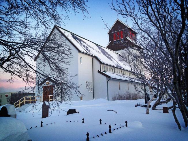 <p>HER ER ASYLSØKERNE: Tre asylsøkere er bekreftet å være i Kirkenes kirke.</p>